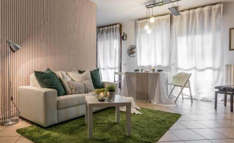 Un appartamento in technicolor