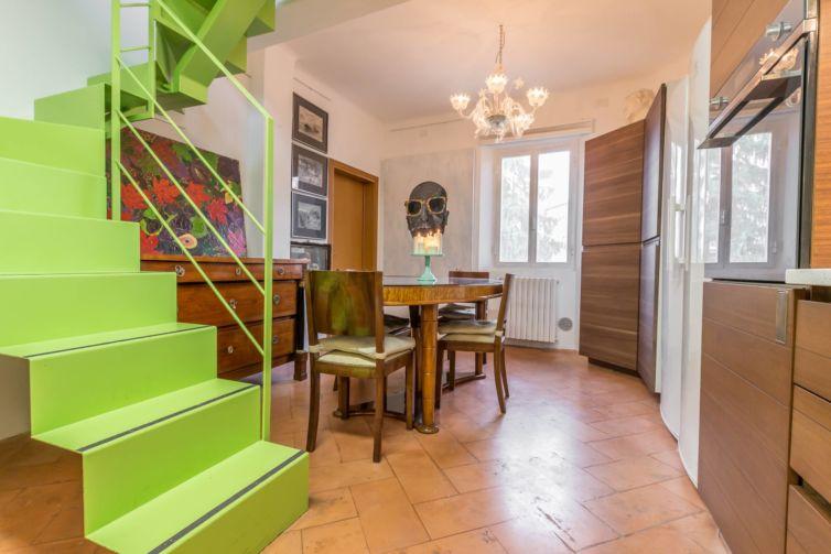 La scala verde – Home Staging inun appartamento abitato a Reggio Emilia