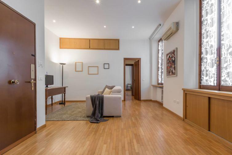 Due passi in centro – Home Staging in un appartamento semiarredato a Parma